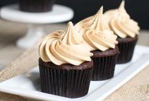 Cupcakes + Cakes