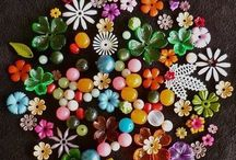 BUTTONS / I love buttons, and even more, I love crafting with them and decorating with them.