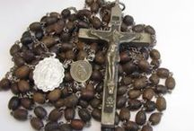 Rosaries I Love / by Lety Alvarez
