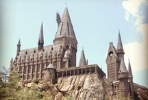 HARRY POTTER WORLD!! / Only the most magical place ever. / by Hayley Pearce