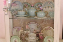 Shabby Chic / by Trenna Hill