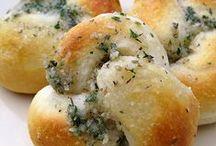 Pizza & Garlic Bread / by KR