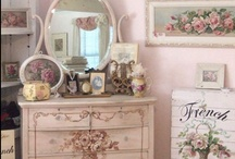 Shabby furnishings / by Trenna Hill