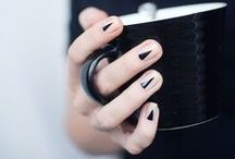 Nail Art Ideas / Nail art designs with a minimalist spin. Includes natural nails, DIY nail art and simple nail designs.