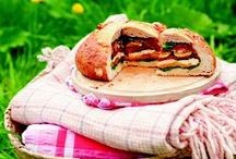 Picnic Recipes / From veggie sausage rolls to homemade scotch eggs, everyone will love these picnic snacks