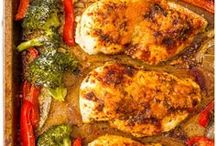 Chicken & Turkey Recipes / Delicious chicken recipes, and turkey recipes, for lunch and dinner! Includes easy, healthy, one-pot, sheet pan and slow cooker dinner ideas.