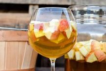 Drinks / Drinks both alcoholic and non alcholic that look delicious! / by Amanda Leissler