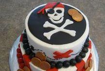 """Mon anniversaire """"Pirates"""" / """"A l'abordage moussaillon !"""" Partez à la chasse au trésor et trouvez toutes les idées déco, recettes, déguisements, jeux pour organiser un anniversaire digne des plus grands pirates !"""