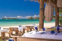 まるで楽園、青い海とスパのリゾート / つぎのホリデーはここに行けたらいいな、素敵なリゾートの風景を集めました。
