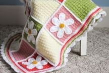 Afghans & Blankets to Crochet / by Candy Selvey
