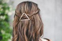 Accessoires / Les accessoires sont essentiels pour sublimer vos coiffures et habiller vos cheveux