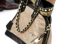 GREAT BAGS / by Mary Ellen St Clair