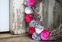 Wreaths & Door Decorations / by Rachel Boykin