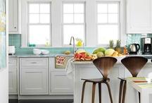 Home: Kitchens / by Jennifer Fisher