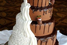 Cakes / by Lakeside Weddings