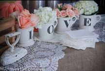 Vintage, Rustic & Country / What's more delightful than a country wedding filled with vintage pieces? They blend perfectly, and can be made so personal. You found the right place to find your vintage country wedding inspiration!