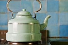 TIME FOR TEA: BEAUTIFUL TEA DISPLAYS / CUPS / TEAPOTS ETC / by Michellè JD