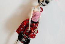 Cool & Creepy Dolls / by Sue Ann Larzelere