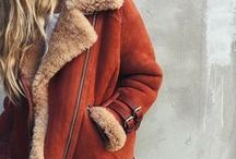 Winter Coats / Do you love Fashionable Winter Coats?  Even with a plain outfit, or leggings, a cute winter coat can make you look super chic.