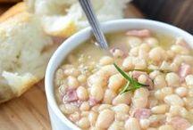 recipes / Yummy treats! / by Coreen McConaughy