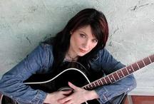 Favorites  -  Singers / by Lesley Nemeth