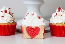 Y'a de l'amour dans ma cuisine ! / Love, Love, love, retrouvez toutes les réalisations sur le thème de la Saint-Valentin, les recettes de notre blog ou simplement les images que l'on aime !