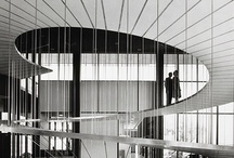 Modern Masters / Modern architecture by the 20th century greats