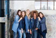 Jeans / Jeans: stoer, vrouwelijk of casual, maar altijd goed! Kies jij voor een stoere denim look of ga je meer voor een vrouwelijk silhouet? Iets nieuws proberen? Draag dan eens jeans op jeans. Ook zie je in accessoires en meubels steeds meer denim in verschillende wassingen terugkomen. Laat je inspireren!