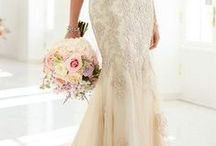 Wedding Dresses / Beautiful, dreamy wedding dresses for your special day... / by Maggie O. Briley