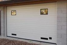 Portoni da garage sezionali / Portoni da garage sezionali ribaltabili scorrevoli a soffitto con sistema automatico e manuale.