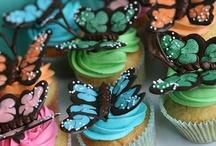 Cupcakes  / by Elizabeth Colbert