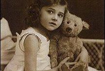Antique Toys & Teddy Bears