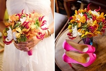 Sunset Weddings / Rich and vibrant sunset colors for flowers are perfect for any autumn or summer wedding!