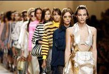 ELLE @ Fashion Week s/s 2017 / De internationaal fashion weeks zijn van start. Van streetstylebeeld uit New York tot front row in Parijs: wij verzamelen de mooiste (catwalk)beelden voor je.