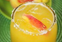 Food-Pretty Drinks / by Sherian McCoy-Oakley
