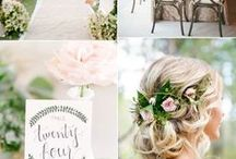w e d d i n g   m o o d s / What wedding mood are you in today? Soft? Romantic? Nautical? Black & gold? Find inspiration from these mood boards to match your wedding mood here!