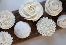 wedding: cupcakes. / Who needs a cake when these petite concoctions place you in bite-size ecstasy.