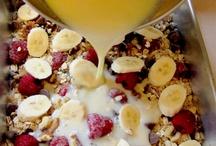 Breakfast Recipes / by Julie Lee