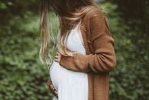 Photography: Maternity Clothing Inspiration / Fort Collins maternity photographer, Miranda L. Sober Photography shares helpful tips and suggestions on how to best dress for your baby bump photography session.