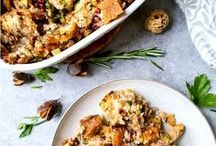 Thanksgiving dinner recipes / A board with traditional, classic Thanksgiving recipes (stuffed turkey with creamy mashed potatoes) or healthier recipe options (tasty low fat vegetables dishes) for a not so guilty Thanksgiving dinner. #holiday #food #recipes #meal