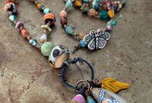 Jewelry: Pendant Necklaces