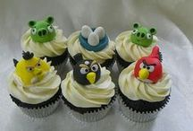I love Cupcakes / by Cris Eddy