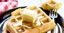 FOOD: Breakfast / All the delicious recipes for breakfast.  Smoothies, pancakes, waffles, cinnamon buns...there's so many delicious ways to enjoy breakfast!