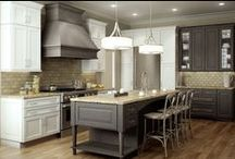 Traditional Kitchens / This board was created to capture beautiful traditional kitchens created by designer in the industry.