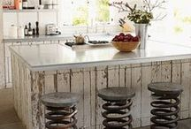Industrial Vintage Kitchens / Industrial vintage style kitchens have become highly popular in the last 3 years and rise in the market. This board was created to capture industrial vintage style kitchens from designers in the industry.