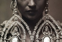 Jewels / by Magali Meunier