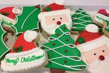 Holidays/Seasonal / At Sweet Themes Bakery in downtown Kent, we love celebrating the holidays -- whether we are baking custom designed cookies or jazzing things up for Halloween! Stop by and you're sure to find something fun and new to make you smile.