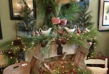 Mantel Decorating Ideas for Christmas / Ideas for decorating mantels for the holidays