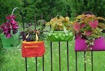 DIY Gardening Crafts / Garden crafts to make your home beautiful! Flowers, pots, garden decor, and beautiful bird baths.