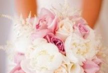 Bouquets / by DIY Bride
